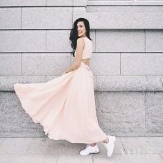 Sukienka zwiewna przykuwająca uwagę, ten odcień różu idealnie pasuje do chłodnego typu urody. Su ...