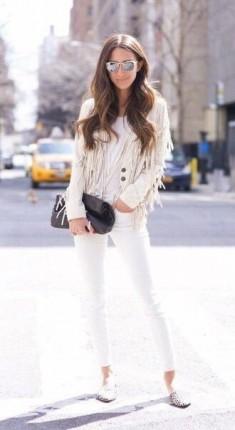 Biała kurtka frędzle