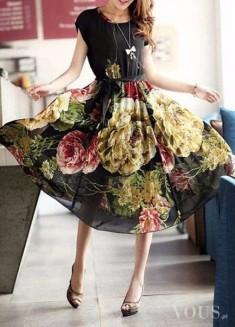 Piękna cudowna sukienka w kwiaty, idealna na wesele <3