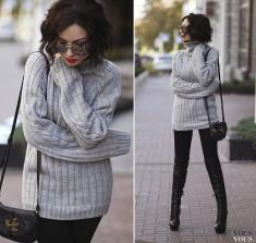 Szary sweter i skórzane spodnie- na jesienne spacery