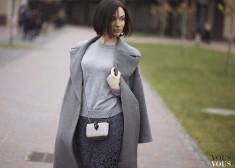 szary klasyczny płaszcz
