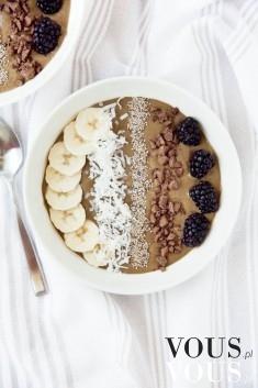 Pyszne śniadanie, banan, owsianka, jeżyny, kokos, czekolada, mus, brązowy mus, czekoladowy mus,