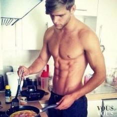 Przystojniak w kuchni!