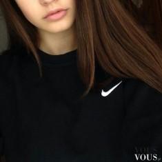 Czarna sportowa bluza nike dla dziewczyn