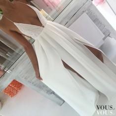 Biała zwiewna maxi sukienka