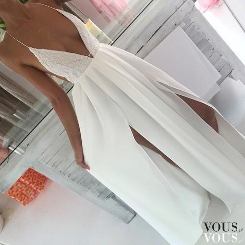 ff004b5367b Biała zwiewna maxi sukienka ⋆ VOUS.pl