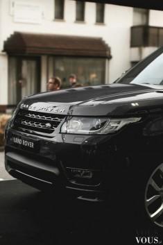 Czarny Range Rover