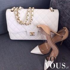 Cudowny duet: biała torebka Chanel i szpilki