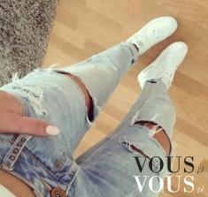 Dżinsy rurki z przedarciami, lubicie dziury w spodniach? Do zestawu białe sportowe buty nike air max