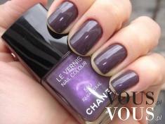 Fioletowy lakier do paznokci od Chanel