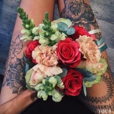 Bukiet i tatuaże