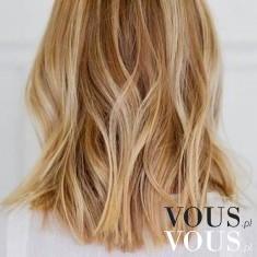 Włosy blond do ramion- lekko pofalowane