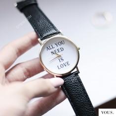 Zegarek z napisem dostępny w sklepie OTIEN www.otien.com