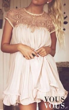 Urocza różowa sukienka mini