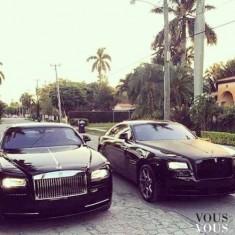 Czarne samochody