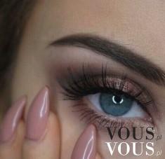Pięknie wymalowane oko