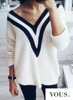 Śliczny sweterek biały z pasami. czarno-biały, dekolt