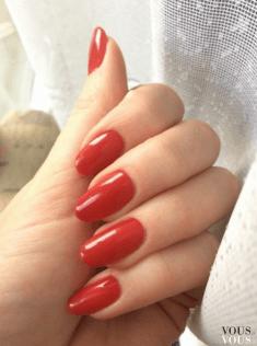 Uwodzicielskie czerwone paznokcie