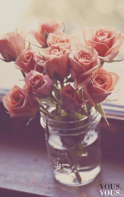 Bukiet świeżych róż herbacianych