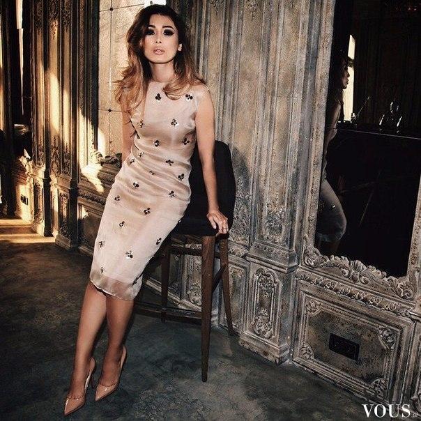 c11145ea6f Elegancka sukienka za kolano ⋆ VOUS.pl