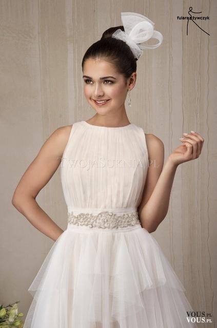 Suknia ślubna Bez Dekoltu Vouspl