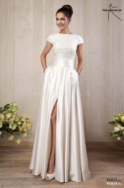 Suknia ślubna Z Rozcięciem Vouspl