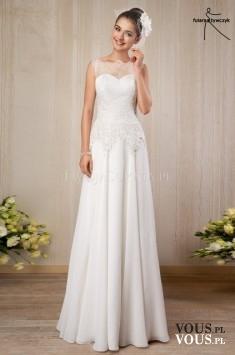 prosta klasyczna suknia ślubna z koronką