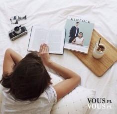 czytanie magazynów o modzie, czytanie przy kawie, jakie magazyny o modzie są fajne
