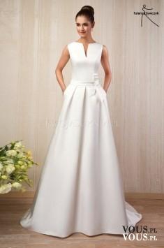 długa prosta suknia ślubna