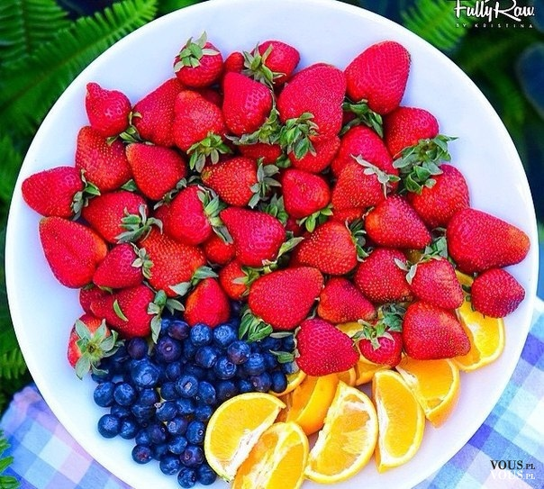 truskawki, jagody i cytrusy, jakie są wasze ulubione owoce, które owoce są mało kaloryczne