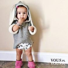 Małe dziecko w stroju króliczka, słodkie dziecko przebrane za zwierzaka, słodki bobas