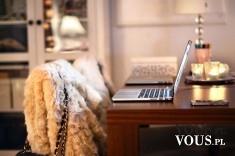 Praca przy komputerze, stylowe wnętrze