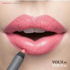 Pełne usta, różowa szminka, różowa pomadka do ust