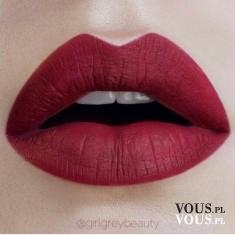 Pełne usta, czerwona szminka, czerwona pomadka do ust