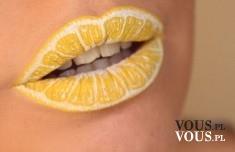 niezwykły makijaż ust, żółte usta, usta jak cytryna