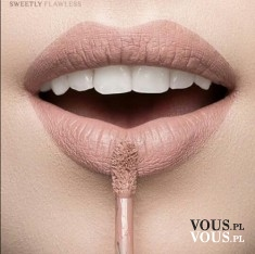Usta w kolorze nude, cielista szminka, pomadka do ust