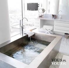 Nowoczesna wanna, kąpiel w wannie, biała łazienka