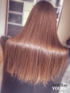 Zdrowe lśniące brązowe włosy