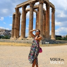 Podróże- zwiedzanie zabytków.