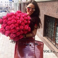 Piękny bukiet różowych róż. Cudowny prezent dla kobiety!