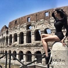 Rzym- Koloseum. Kobieta w Rzymie- cudowna podróż