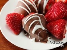Owocowo- czekoladowa przekąska- truskawki w czekoladzie.