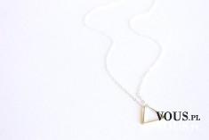 trójkąt wisiorek, delikatny naszyjnik, subtelna biżuteria