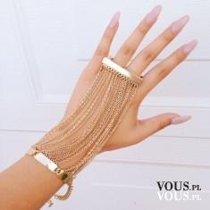 duży pierścionek połączony z bransoletką, oryginalna biżuteria