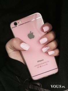 różowy iPhone