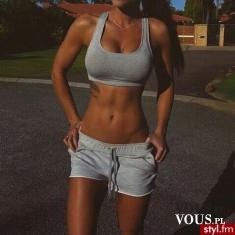 wysportowana sylwetka, idealny brzuch, efekt ćwiczeń