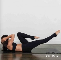 Ćwiczenia na brzuch, rowerek na podłodze, efekty ćwiczeń na brzuch