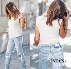 Biały top i jasne dżinsy. Zestaw na co dzień. Spodnie z dziurami i przetarciami.