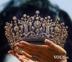 Korona dla królowe, królewski diadem, złota korona