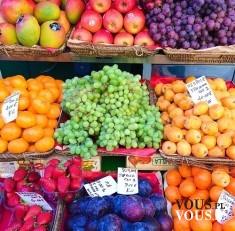 kolorowe owoce prosto z targu, gdzie kupować owoce